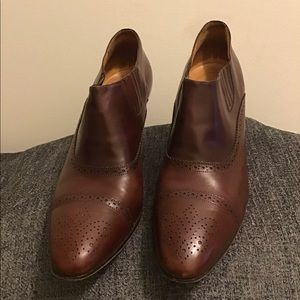 COLE HAAN ladies leather shoes